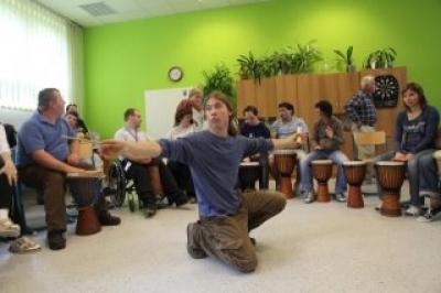 Skupinové bubnování pro každého